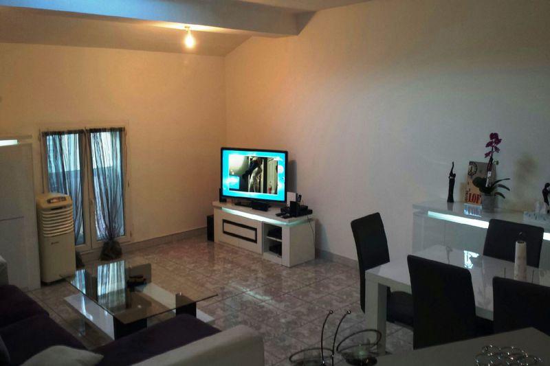 Appartement Eyguières  Location appartement  3 pièces   71m²