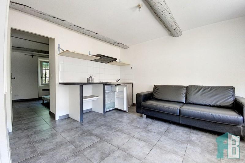 Appartement Grans Proche village,  Location appartement  2 pièces   29m²