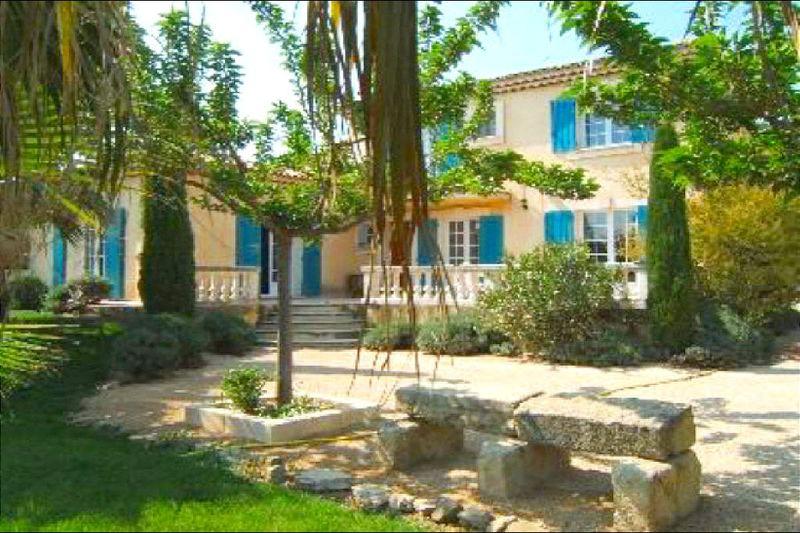 Photo n°1 - Location Maison bastide Eyguières 13430 - 2 200 €