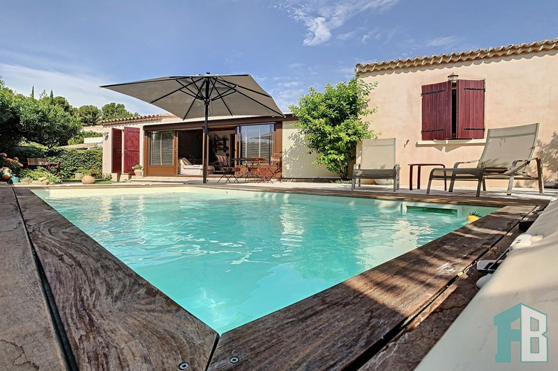 Maison Eyguières Proche village,   achat maison  4 chambres   113m²