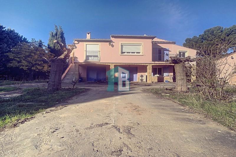 Photo Maison Eyguières   achat maison  5 chambres   243m²