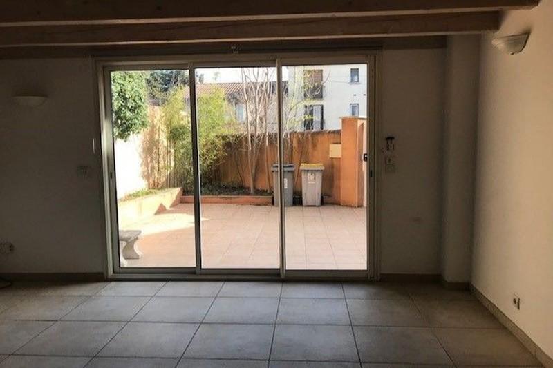 Appartement Carpentras  Location appartement  3 pièces   86m²