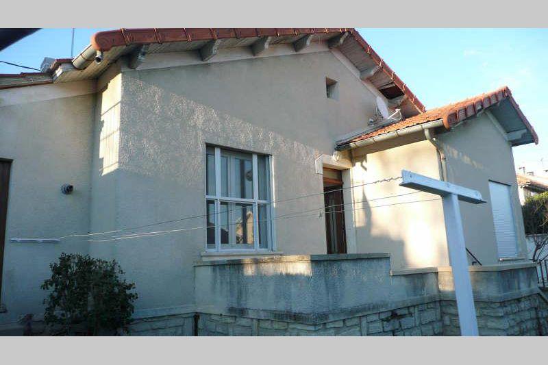 Maison Carpentras Centre-ville,  Location maison  3 chambres   90m²