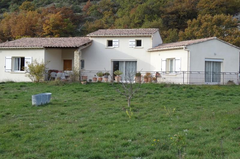 Villa provençale Montbrun-les-Bains Village,  Location villa provençale  3 chambres   110m²