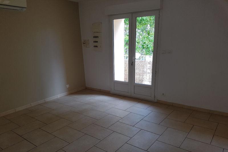 Appartement Loriol-du-Comtat Village,  Location appartement  2 pièces   42m²