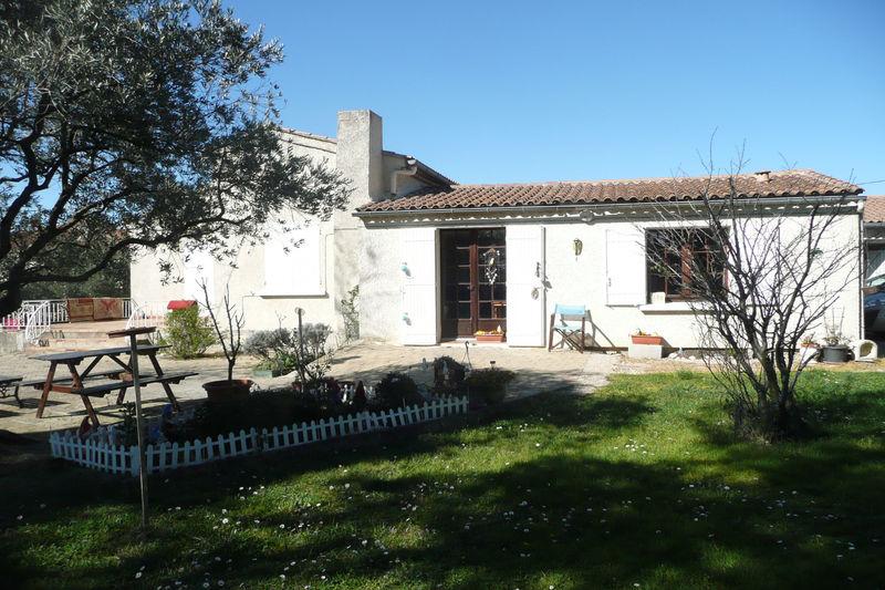 Villa Pernes-les-Fontaines Village,  Location villa  3 chambres   100m²