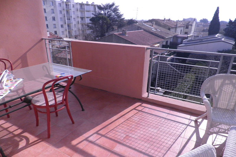 Photo Appartement Carpentras Proche gare,  Location appartement  3 pièces   69 m²