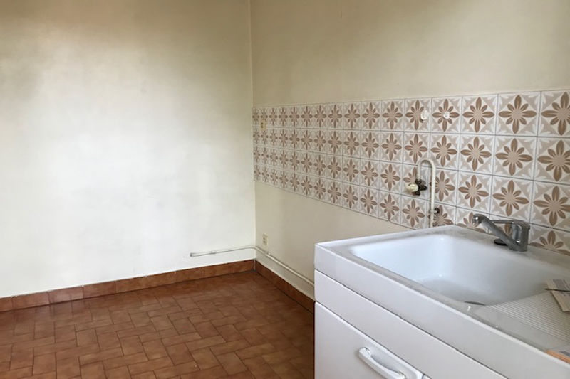 Appartement Carpentras Lycee v hugo,  Location appartement  2 pièces   44 m²