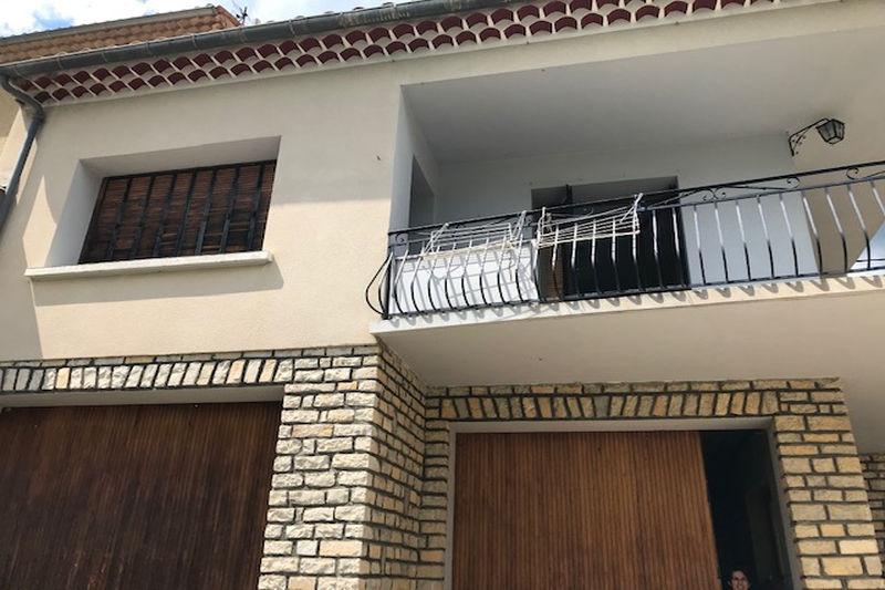Maison Montbrun-les-Bains Village,  Location maison  3 chambres   80m²