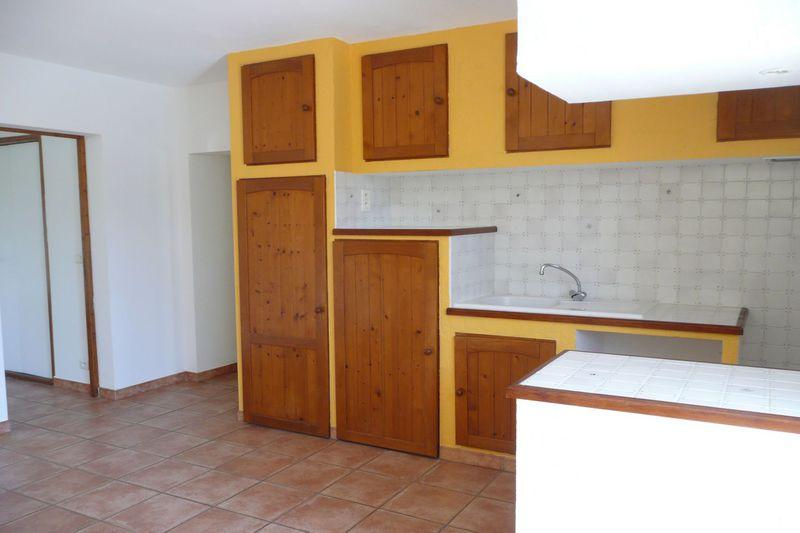 Appartement Villes-sur-Auzon Village,  Location appartement  3 pièces   55m²
