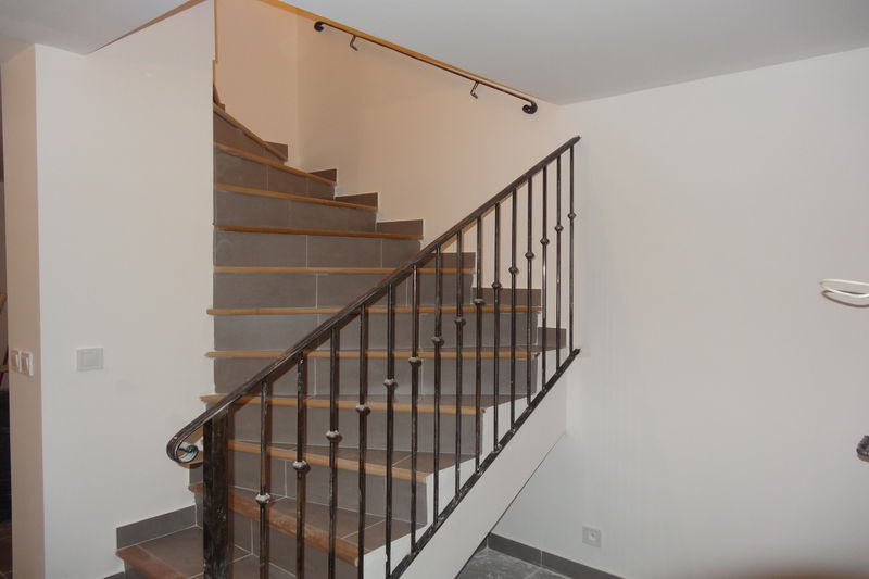 Maison Aubignan Proche village,  Location maison  3 chambres   80m²