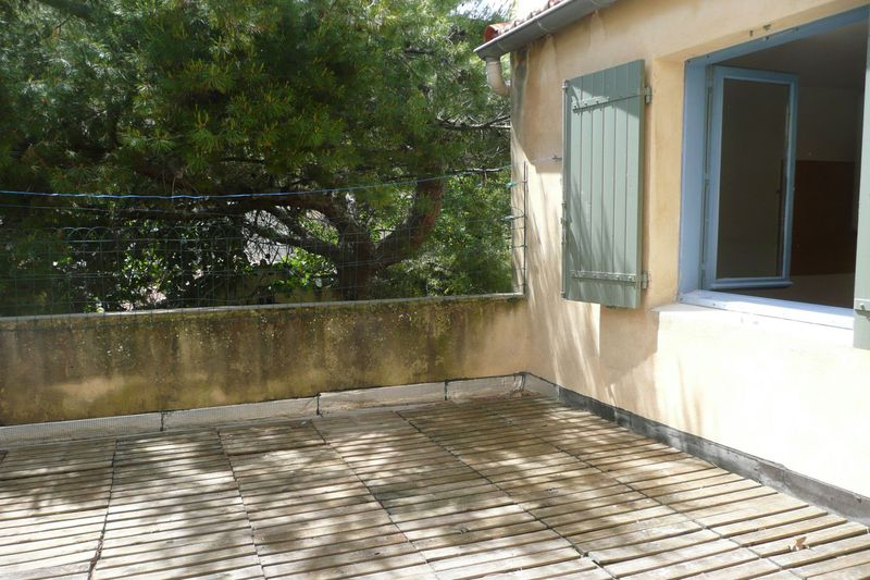 Photo Appartement Carpentras Proche leclerc,  Location appartement  3 pièces   55 m²