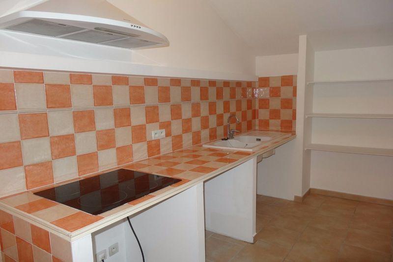 Appartement Pernes-les-Fontaines  Location appartement  3 pièces   91m²