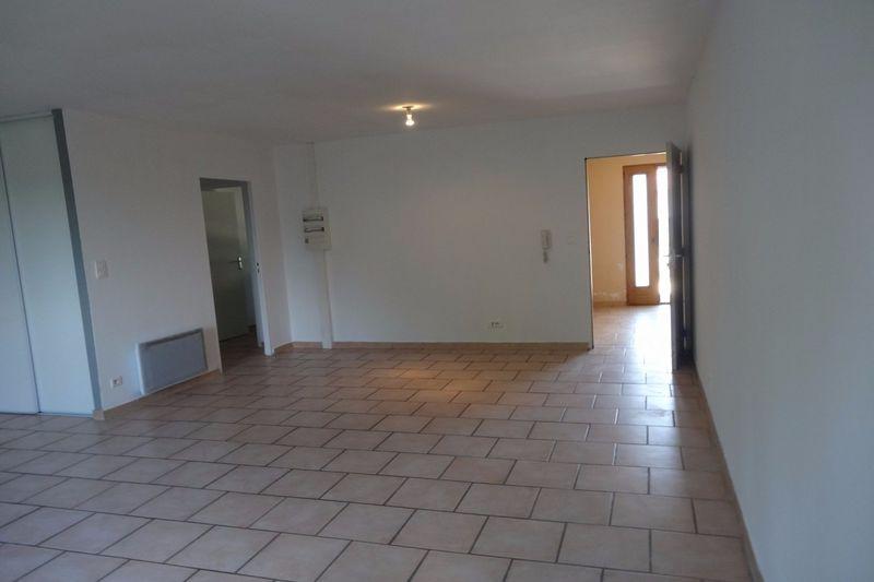 Photo Apartment Carpentras  Rentals apartment  4 rooms   90m²