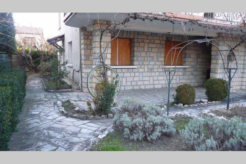 Photo Apartment Carpentras  Rentals apartment  3 rooms   60m²