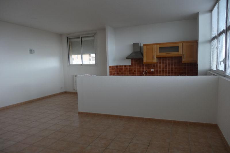 Appartement Carpentras Proche leclerc,  Location appartement  3 pièces   75m²