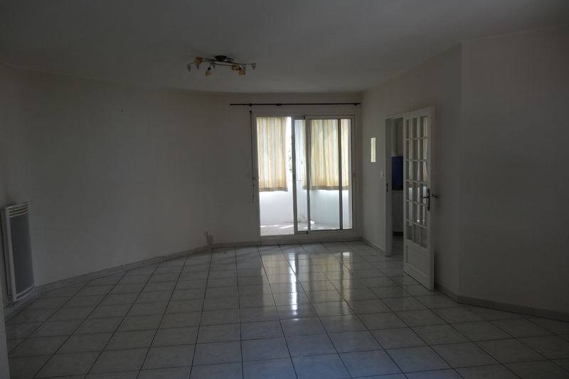 Photo Apartment Carpentras  Rentals apartment  2 rooms   60 m²