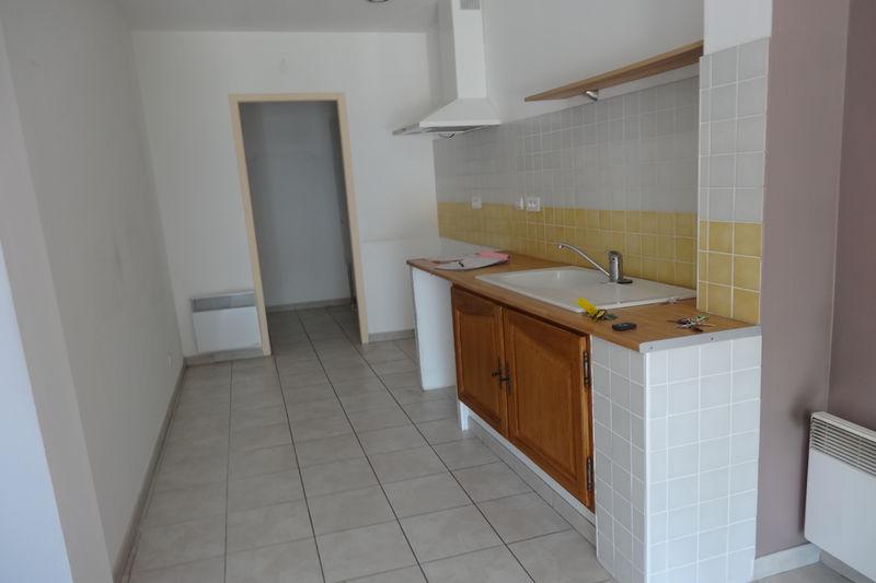 Photo Appartement Carpentras Proche gare,  Location appartement  3 pièces   75m²