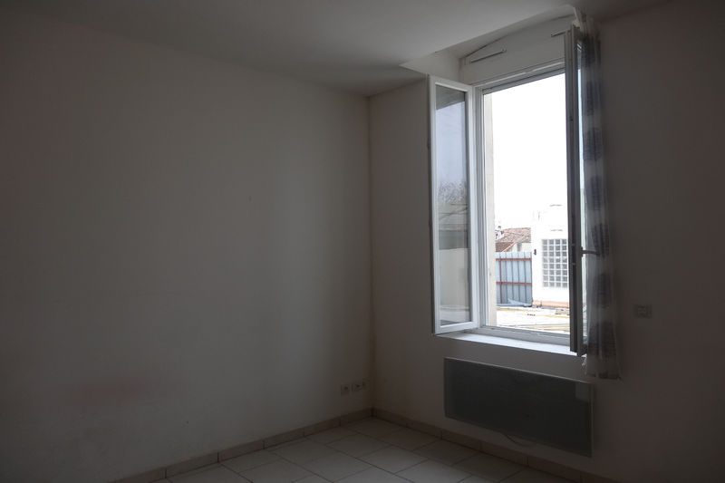 Appartement Carpentras  Location appartement  1 pièce   20 m²