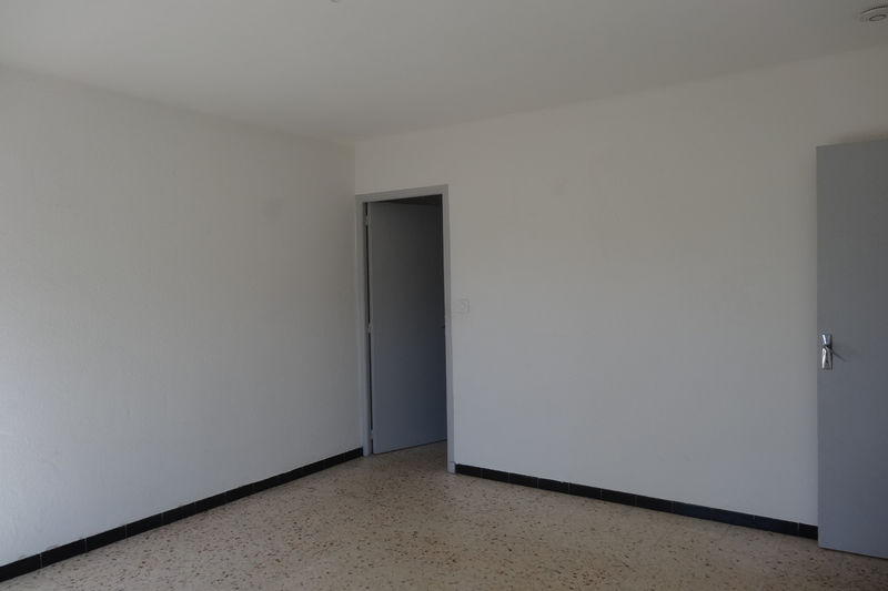 Photo Appartement Carpentras Proche leclerc,  Location appartement  2 pièces   40 m²
