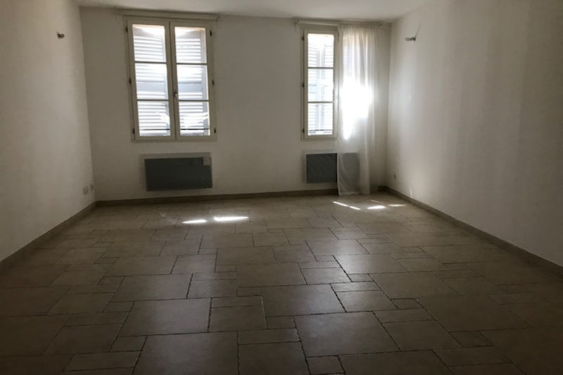 Appartement Carpentras Centre-ville,  Location appartement  3 pièces   57 m²