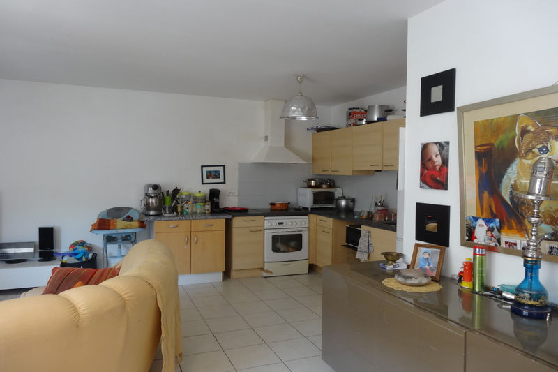 Photo Appartement Carpentras Proche leclerc,  Location appartement  3 pièces   63 m²