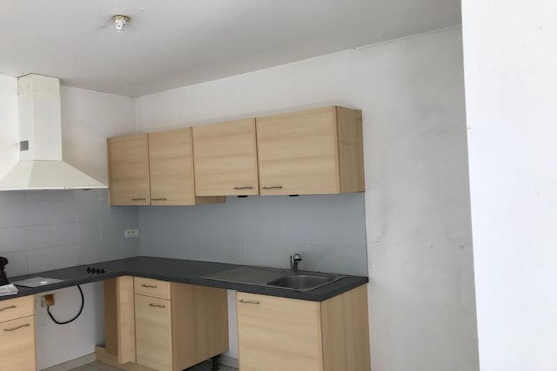 Photo Apartment Carpentras Proche leclerc,  Rentals apartment  3 rooms   63m²