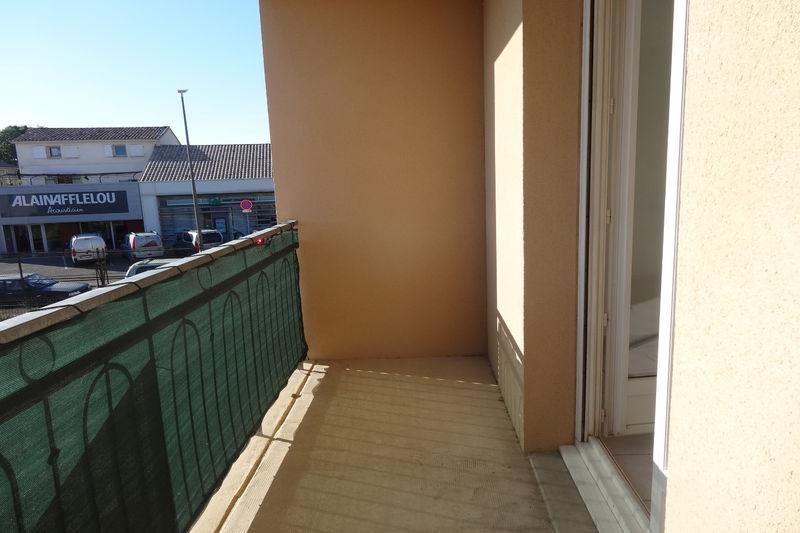 Appartement Carpentras Proche leclerc,  Location appartement  1 pièce   25m²