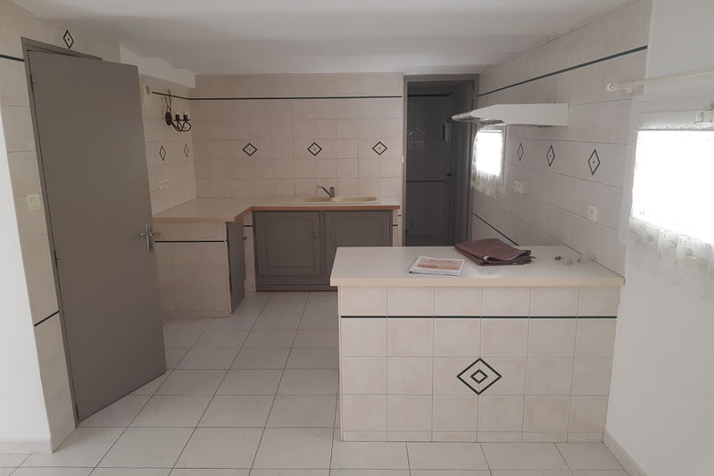 Photo Apartment Carpentras Proche leclerc,  Rentals apartment  2 rooms   40 m²