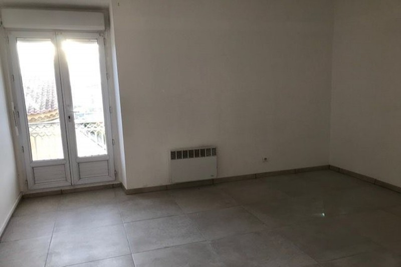 Appartement Carpentras Proche coulee verte,  Location appartement  4 pièces   80m²