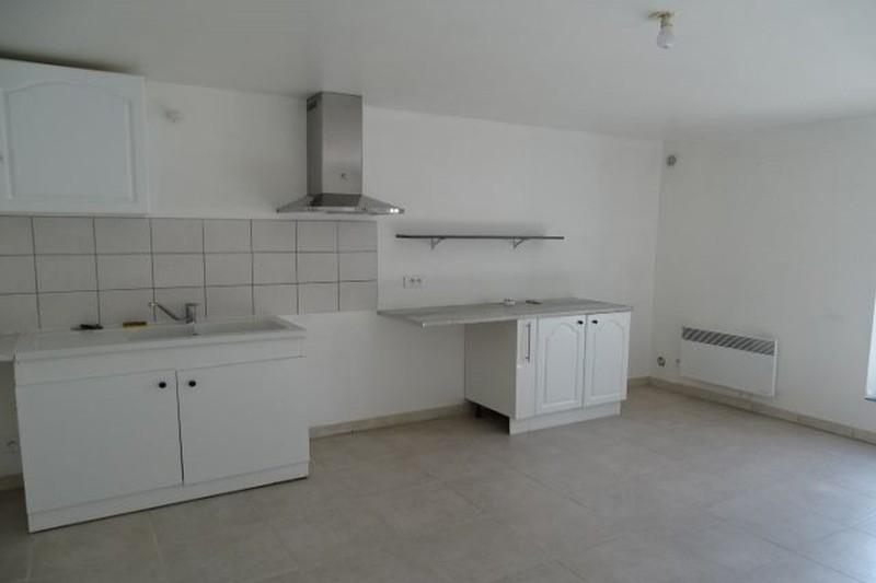 Appartement Malemort-du-Comtat Village,  Location appartement  3 pièces   55m²