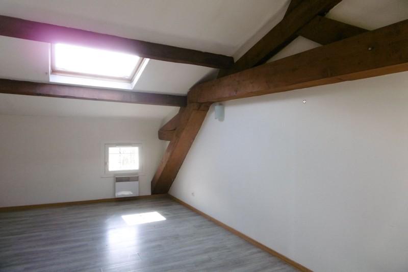 Appartement Pernes-les-Fontaines Village,  Location appartement  2 pièces   51m²