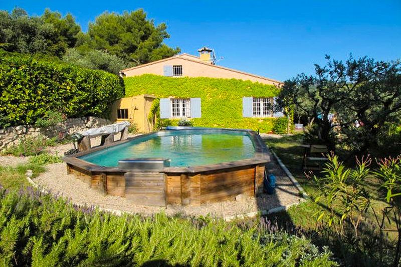 Villa Pernes-les-Fontaines Village,  Location villa  3 chambres   110m²