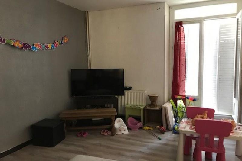Maison de ville Carpentras  Location maison de ville  2 chambres   83m²