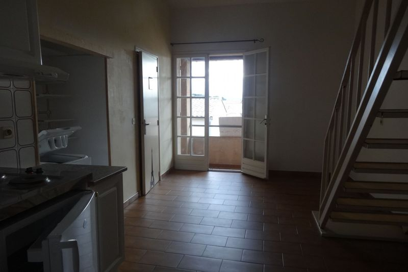 Appartement Carpentras Centre-ville,  Location appartement  1 pièce   31 m²