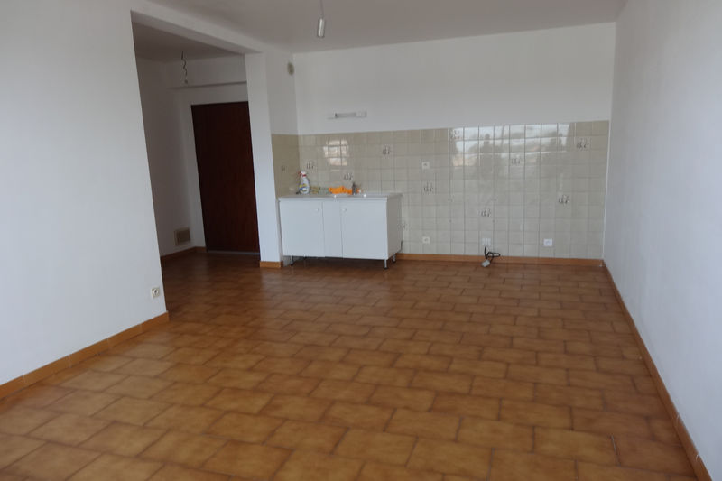 Photo Apartment Carpentras Proche gare,  Rentals apartment  2 rooms   40 m²
