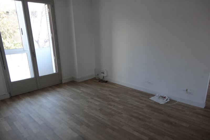 Bureau Carpentras Proche leclerc,  Professionnel bureau   70m²