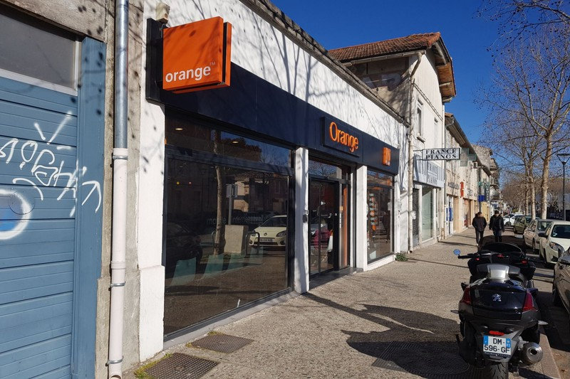 Photo Boutique Carpentras Proche lycee fabre,  Professionnel boutique   135 m²