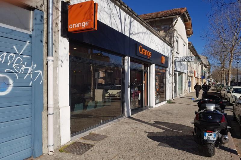 Boutique Carpentras Proche lycee fabre,  Professionnel boutique   135m²