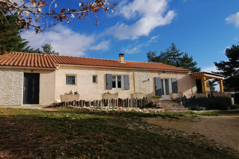 Villa Saint-Trinit Village,   achat villa  3 chambres   130m²