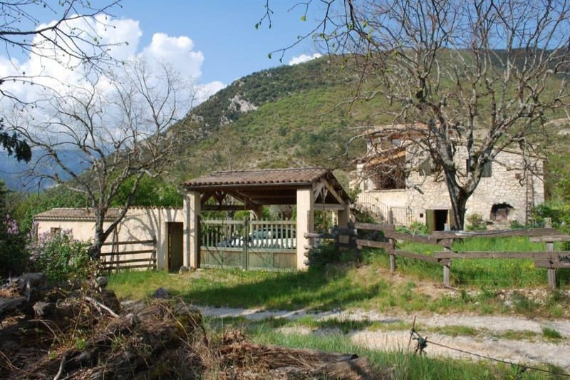 Photo Propriété Montbrun-les-Bains Campagne,   achat propriété  4 chambres   300m²