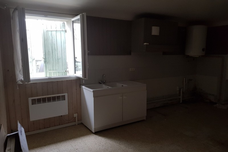 Immeuble Saint-Didier Village,  Professionnel immeuble  6 rooms   180 m²