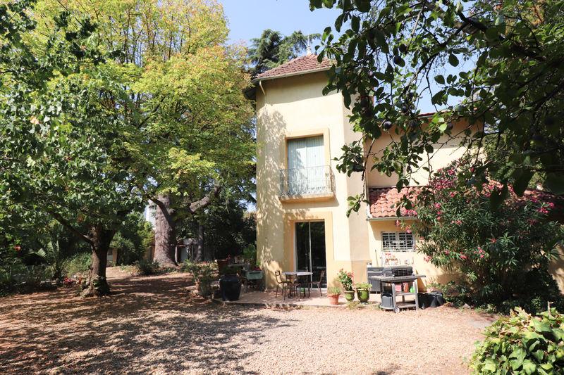Photo Maison de caractère Montpellier   achat maison de caractère  6 chambres   322m²