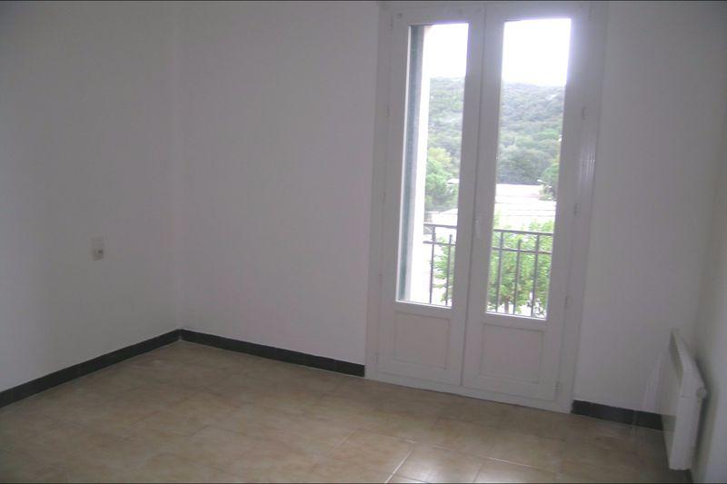 Appartement Reynès  Location appartement  4 pièces   69m²