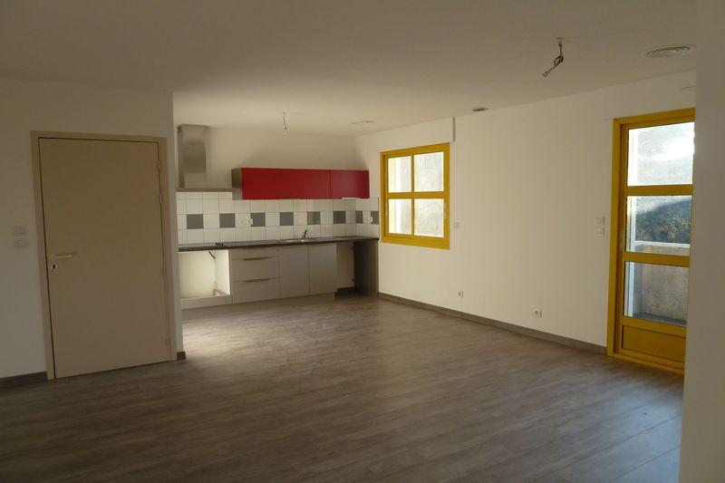 Appartement Brouilla Centre-ville,  Location appartement  4 pièces   72m²