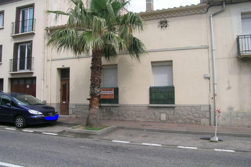Maison de ville Le Boulou  Location maison de ville  2 chambres   82m²