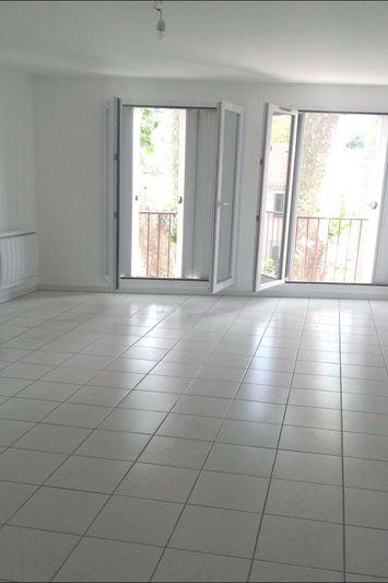 Appartement Céret  Location appartement  3 pièces   70m²