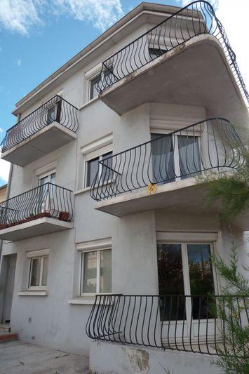 Appartement Perpignan  Location appartement  5 pièces   104m²
