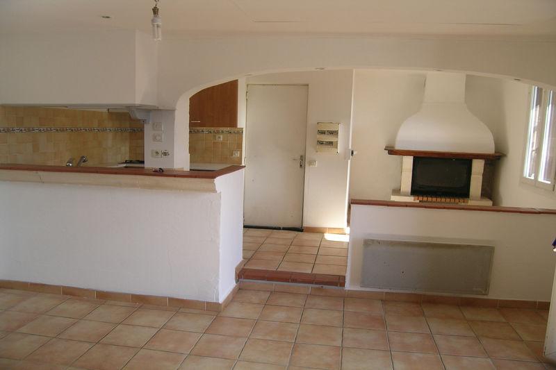 Appartement Saint-Jean-Pla-de-Corts  Location appartement  3 pièces   56m²