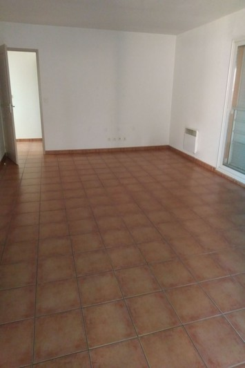 Appartement Le Boulou Vallespir,  Location appartement  3 pièces   76 m²